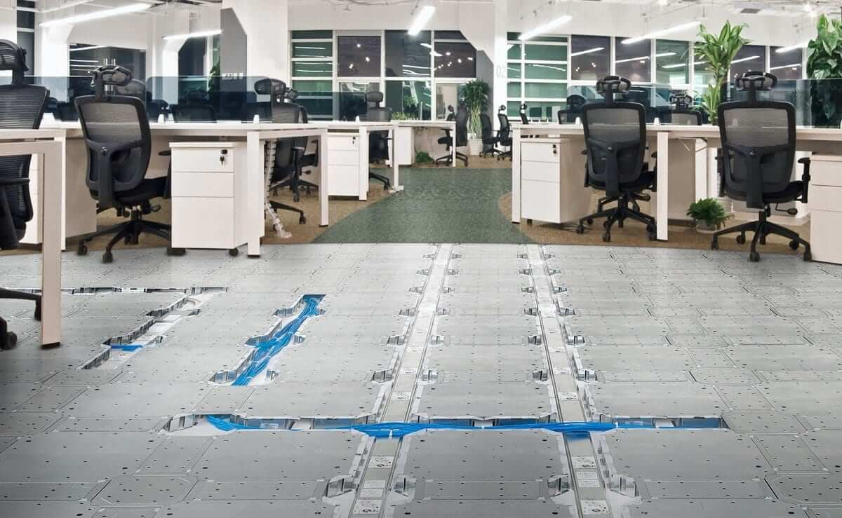 Access floors a twenty first century approach freeaxez for Elevated floor